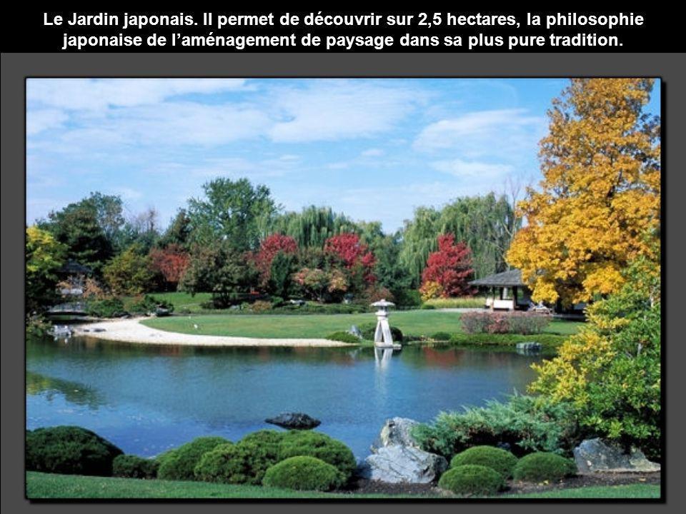 Le Jardin japonais. Il permet de découvrir sur 2,5 hectares, la philosophie japonaise de laménagement de paysage dans sa plus pure tradition.