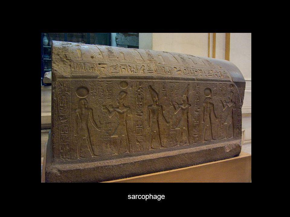 Statue en or d Horus