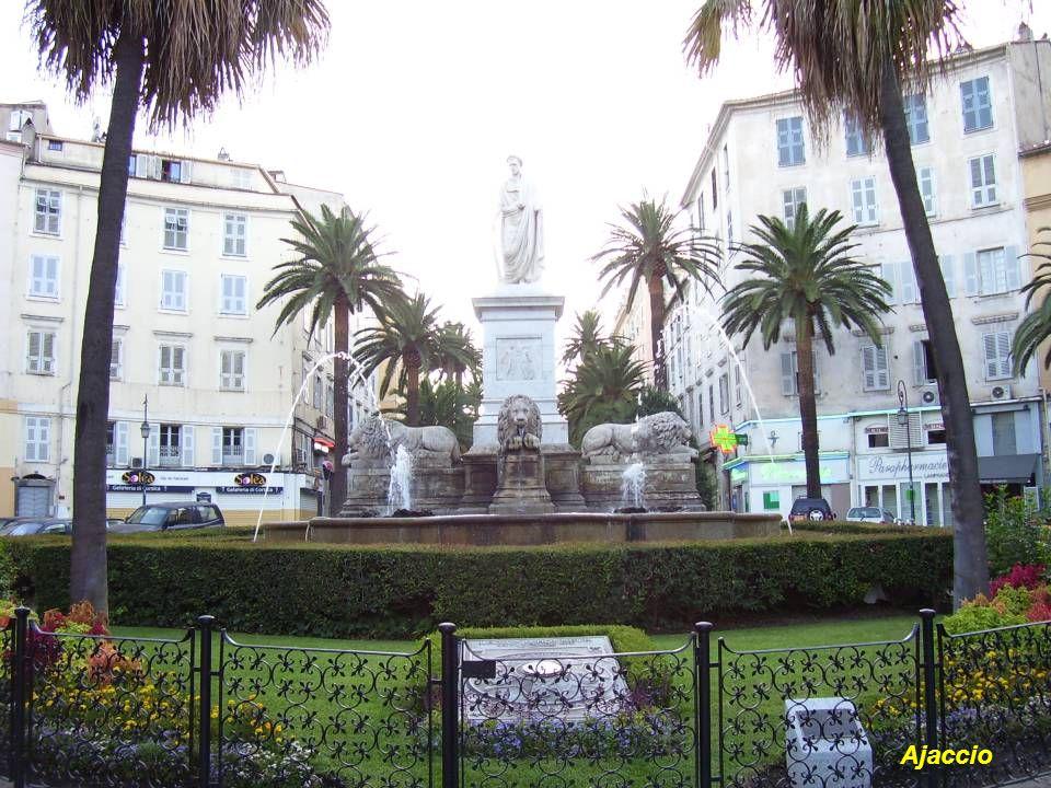 Le Port dAjaccio