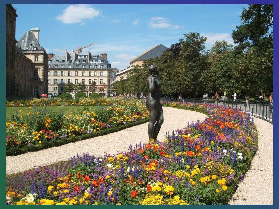 Le jardin du Luxembourg (familièrement appelé le « Luco ») est un ensemble de jardins de différents styles, situé dans le VIe arrondissement de Paris,