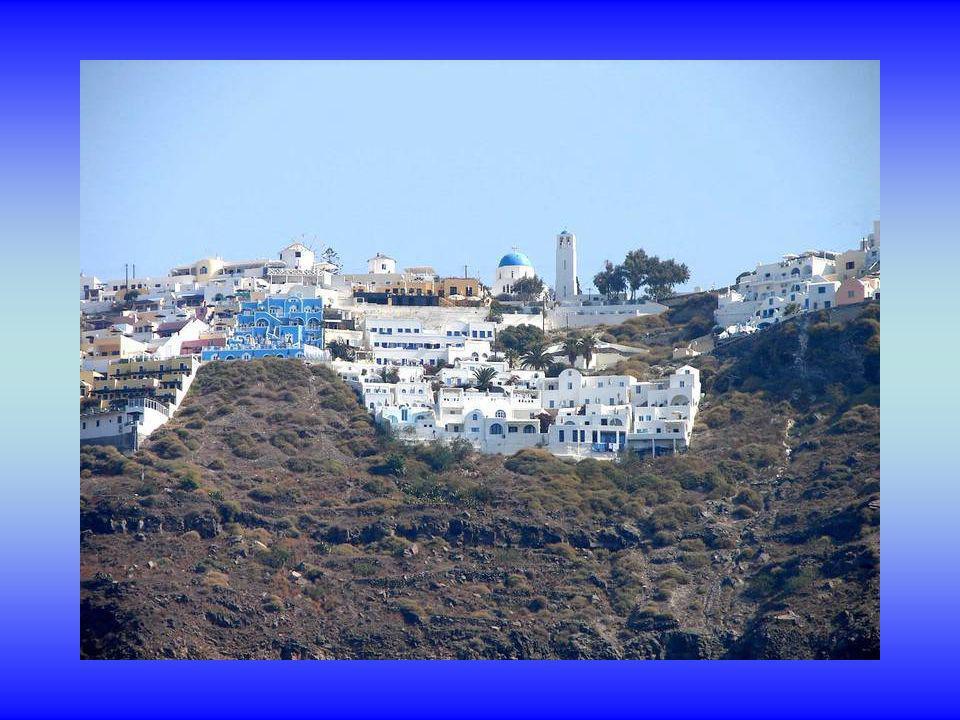 Lîle principale de Santorin est Théra. Superficie 76 km². Population 10,700 âmes (2001)
