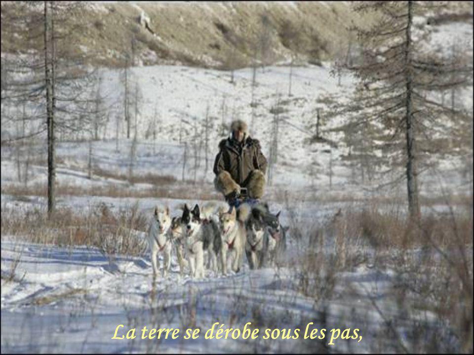 Décembre 2007 JANINE LOISEL Création Claude St-Denis Images prises sur le net Tous droits réservés Poème Musique Bert Kamfert ( Wonderland By Night ) Les Amours de Mado http://www.lesamoursdemado.com/