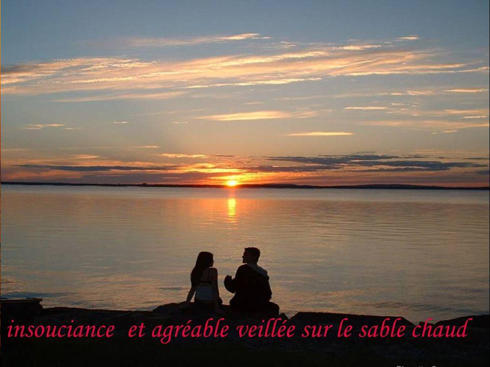 bercé par la mer du solstice dété, Le visage senlumine dun joli sourire doré