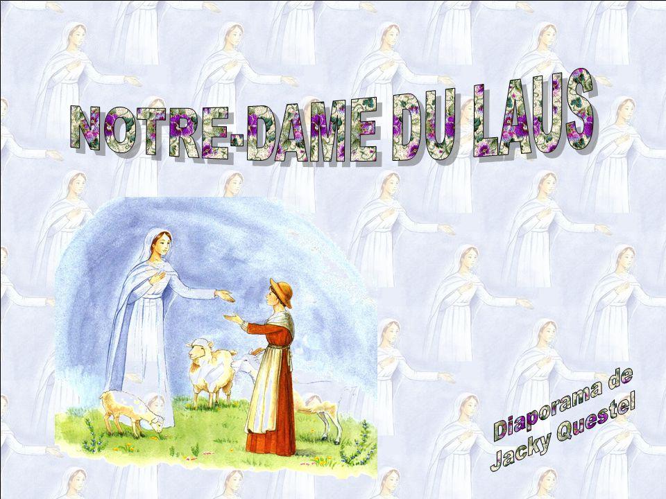Ce jour-là Benoîte a pleuré à chaudes larmes… Pendant un mois, Benoîte a le cœur en peine… Elle va maintenant mener ses moutons au bord de la rivière, où lherbe est plus abondante.