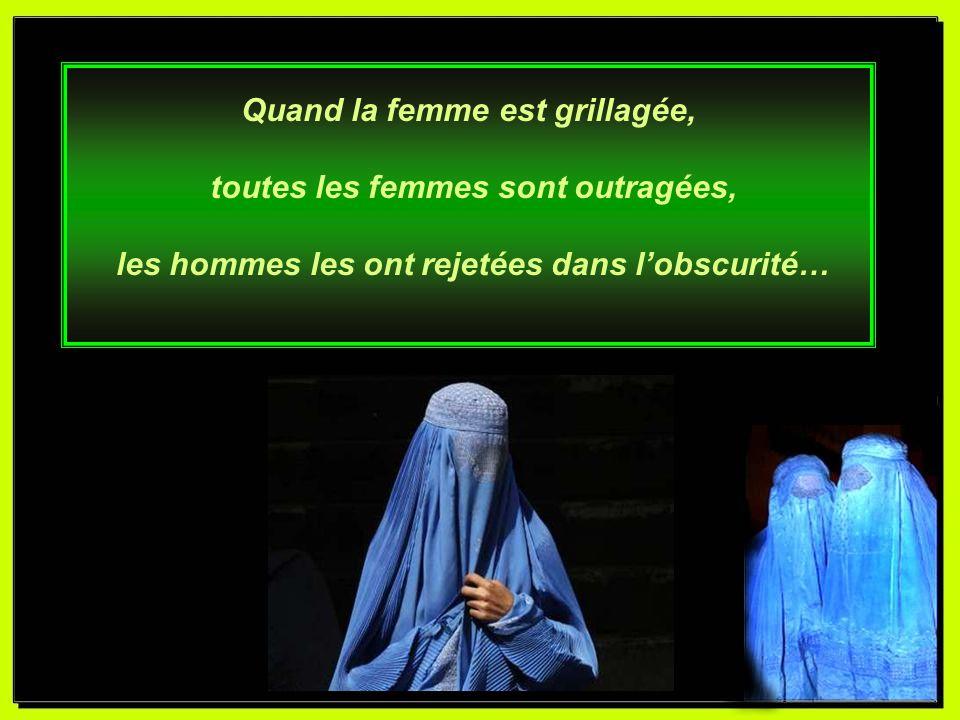 Elle respecte la loi « divine », qui dit par la bouche de lhomme, que sa place est à la cuisine, et quelle est sa bête de somme.