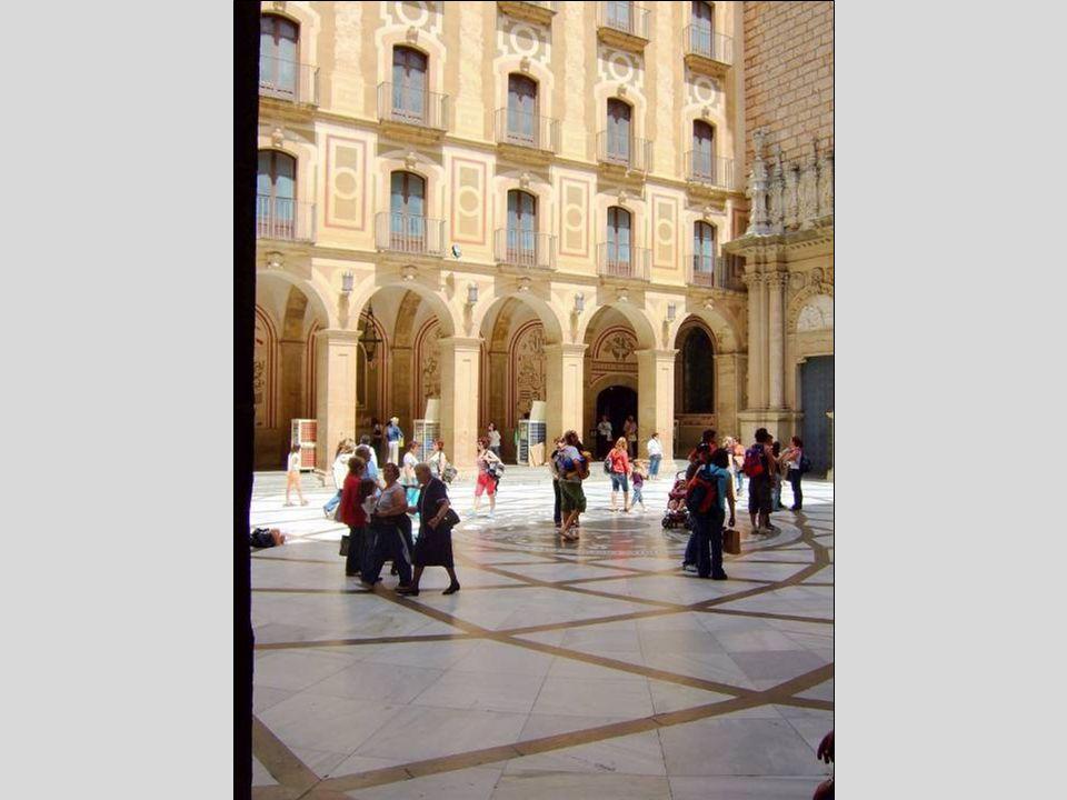La Grand Place avec le Christ et ses Apôtres.