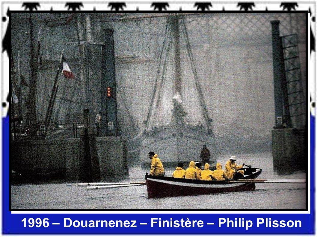 1989 – Le gardien du phare de la Jument – Finistère – Jean Guichard