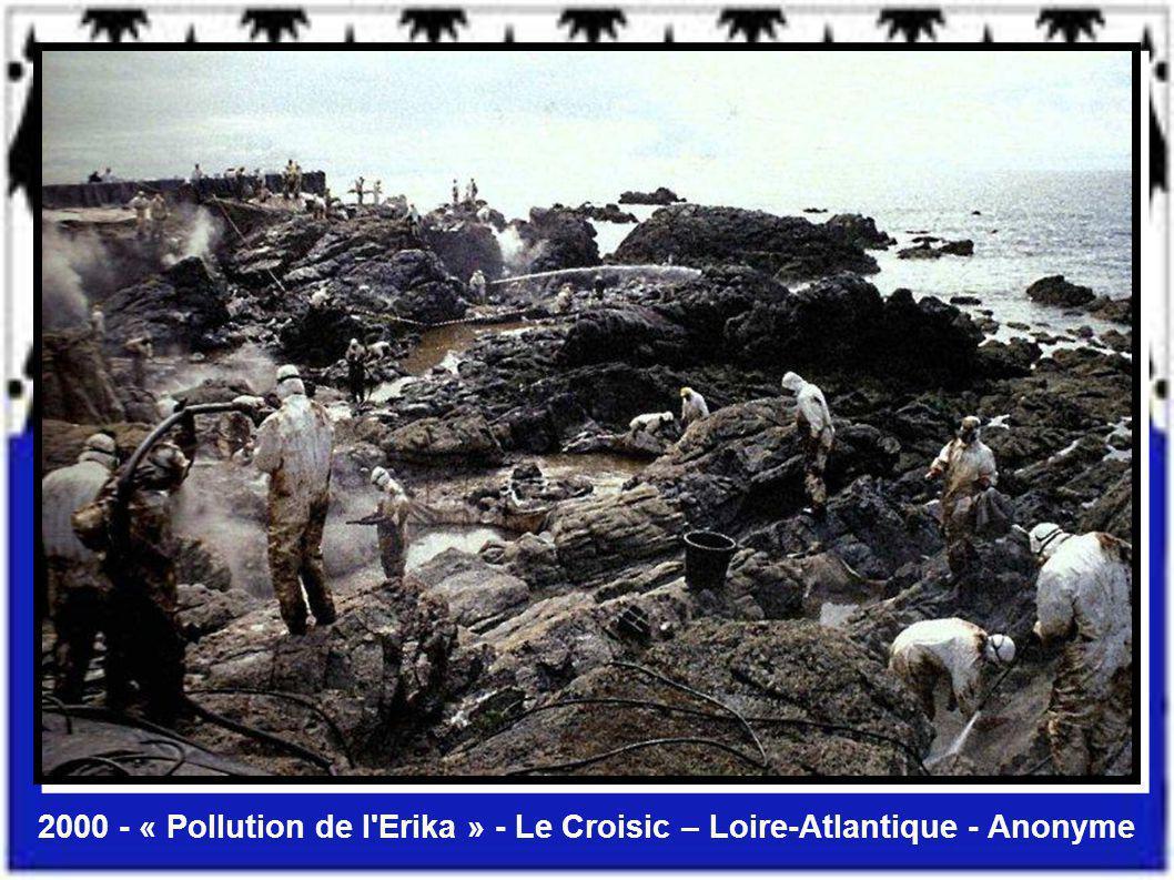1998 Le radôme de Pleumeur-Bodou Côtes-D'Armor Yvon Boëlle