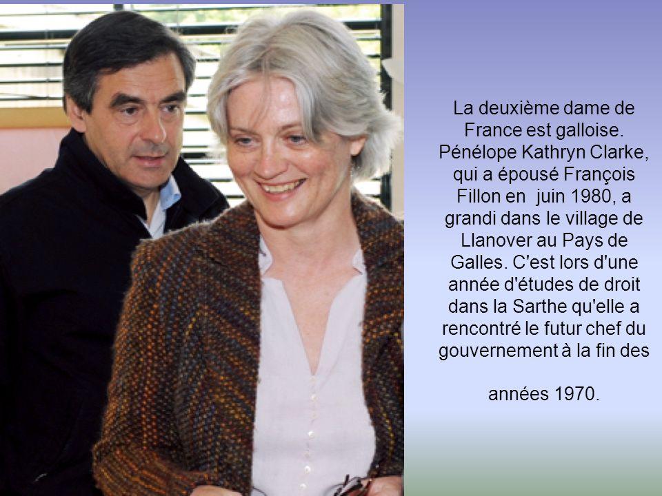 Laure Driant-Darcos est la seconde épouse, après un veuvage, du ministre des Affaires sociales. Ancienne directrice adjointe du cabinet de son mari à