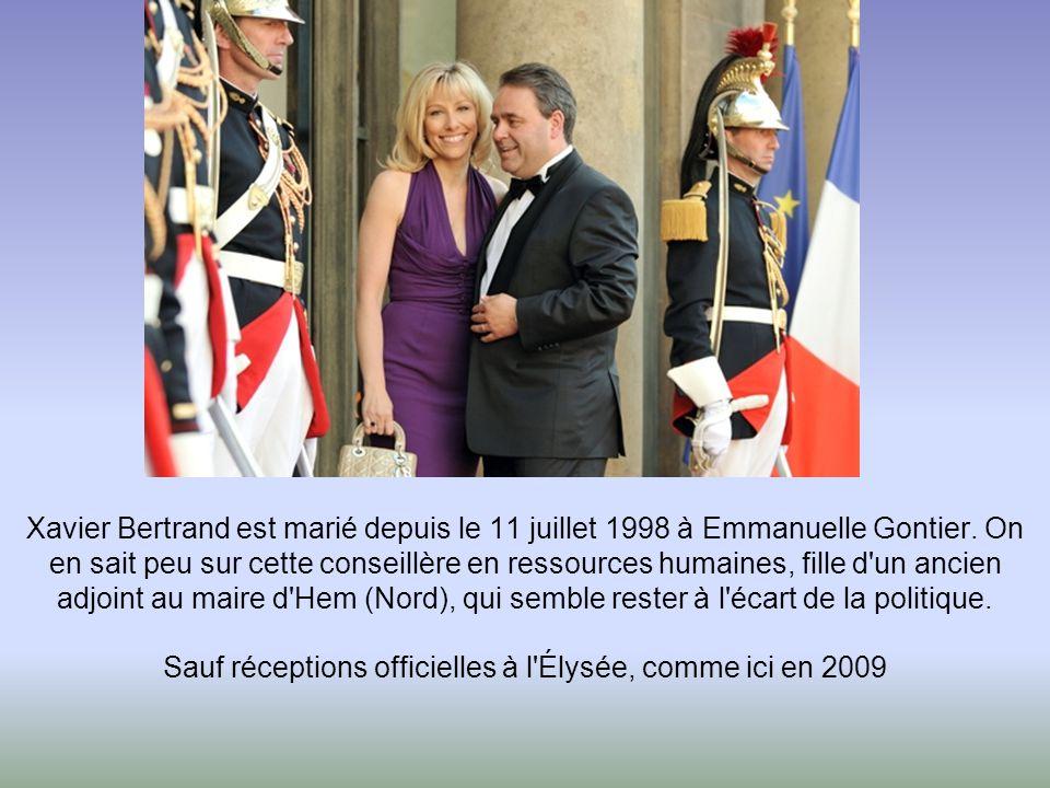 Xavier Bertrand est marié depuis le 11 juillet 1998 à Emmanuelle Gontier.