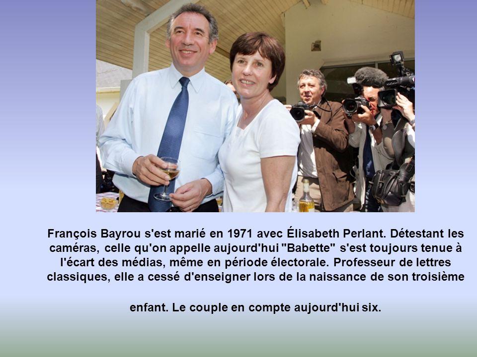 François Bayrou s est marié en 1971 avec Élisabeth Perlant.