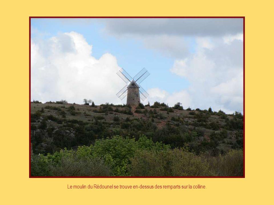 F I N Photo du Net Photos personnelles et création de Rosemarie Juin 2012 Informations prises dans brochure Musique: Ronde Veneziano Armonie de Gran P