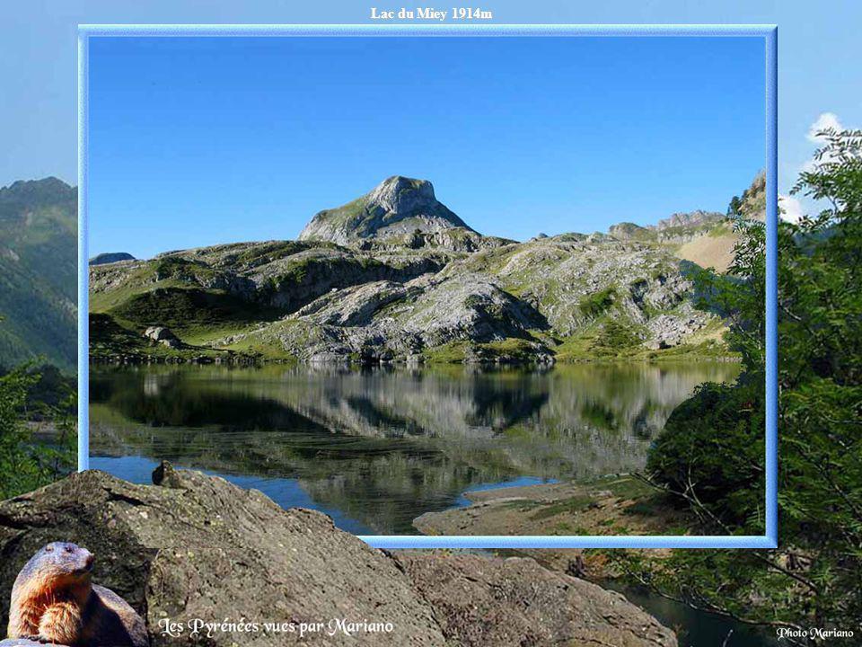 Lac Bleu 1968m (vallée de Lesponne).