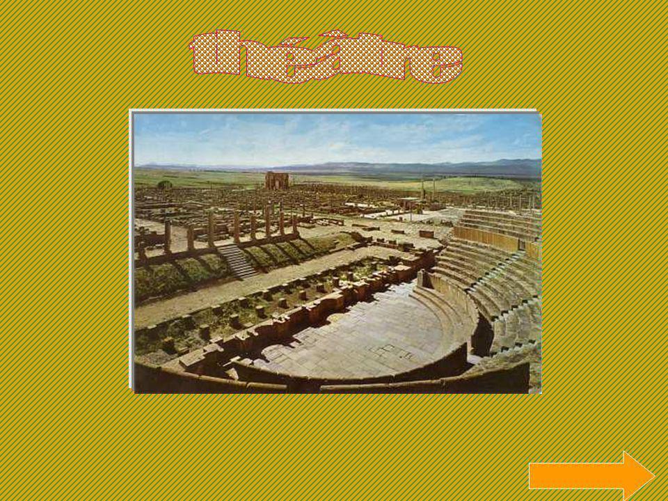 Leau était transportée grâce à des canalisations en plomb enterrées, joignant les thermes à un château deau situé sur une colline, plus haute que les bains.