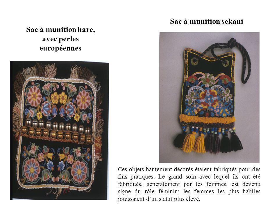 Sac à munition hare, avec perles européennes Ces objets hautement décorés étaient fabriqués pour des fins pratiques.