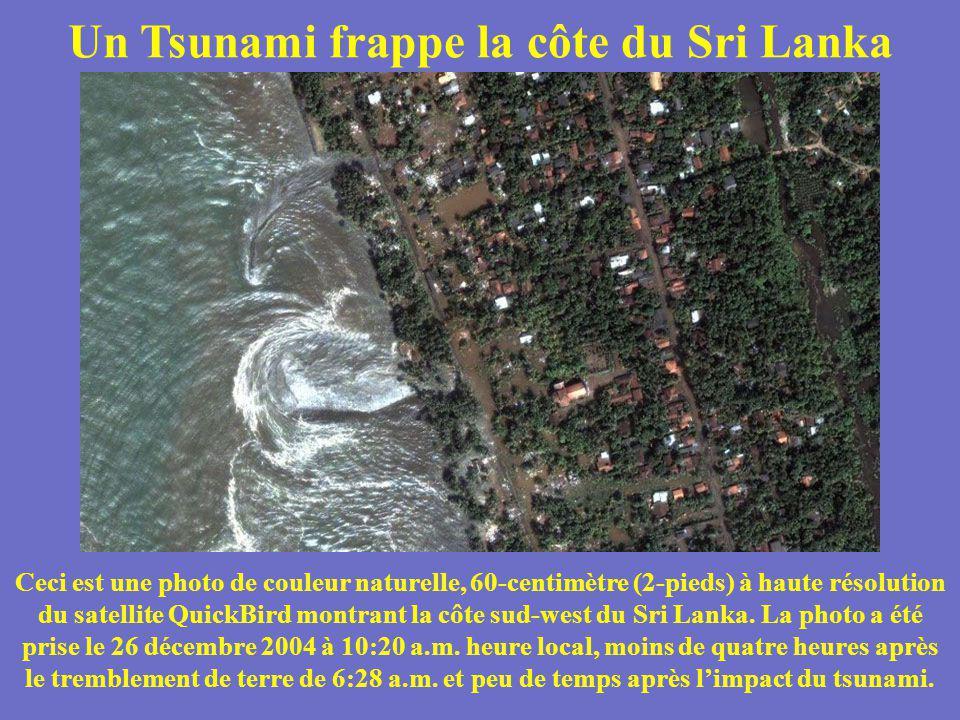 Un Tsunami frappe la côte du Sri Lanka Ceci est une photo de couleur naturelle, 60-centimètre (2-pieds) à haute résolution du satellite QuickBird mont
