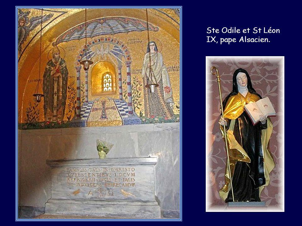 Ste Odile et St Léon IX, pape Alsacien.