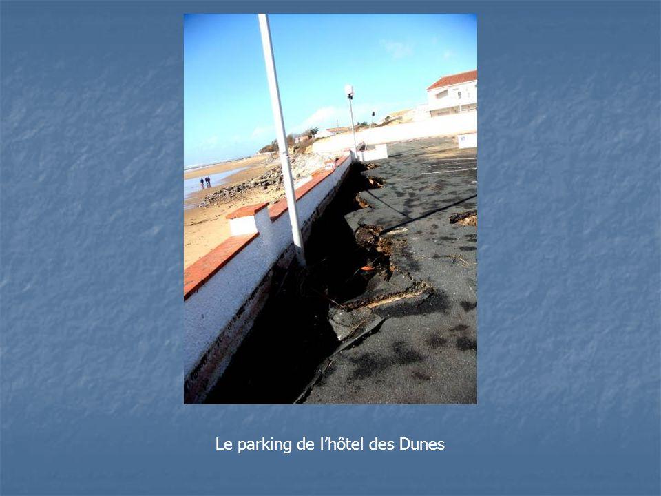 Le parking de lhôtel des Dunes