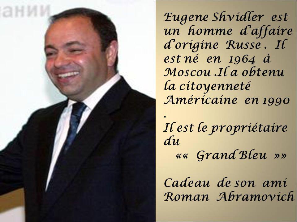 Eugene Shvidler est un homme daffaire dorigine Russe. Il est né en 1964 à Moscou.Il a obtenu la citoyenneté Américaine en 1990. Il est le propriétaire