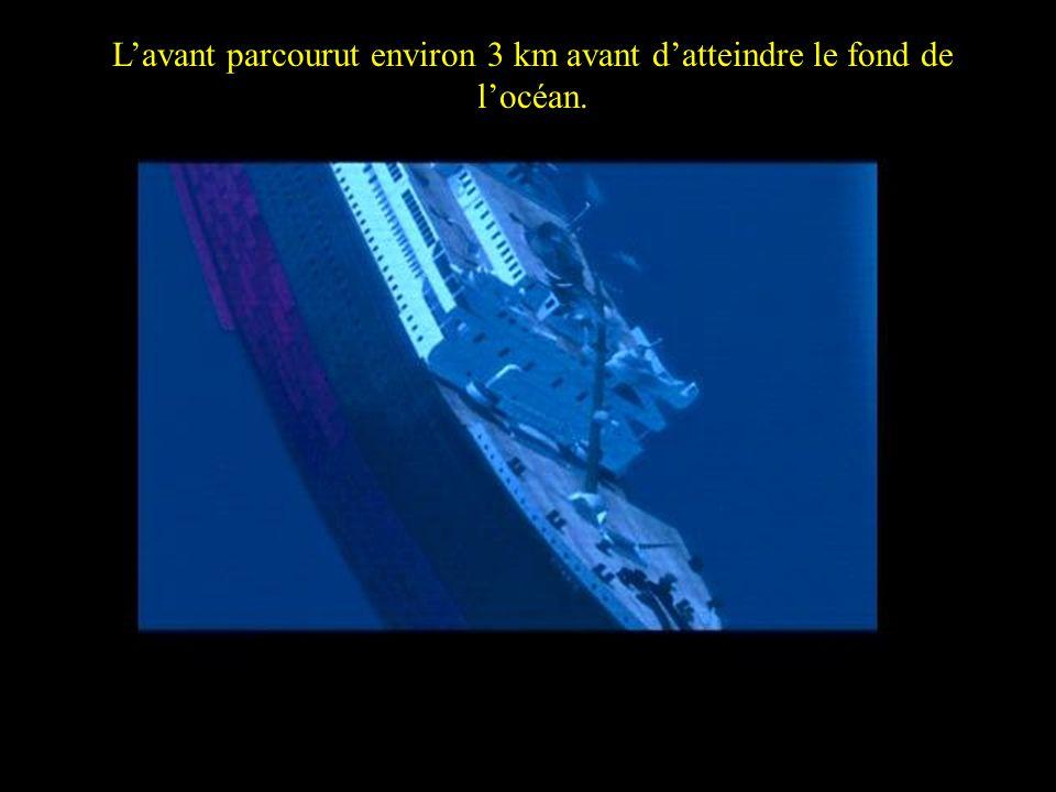 The Bow traveled nearly 3km down the Atlantic ocean Lavant parcourut environ 3 km avant datteindre le fond de locéan.