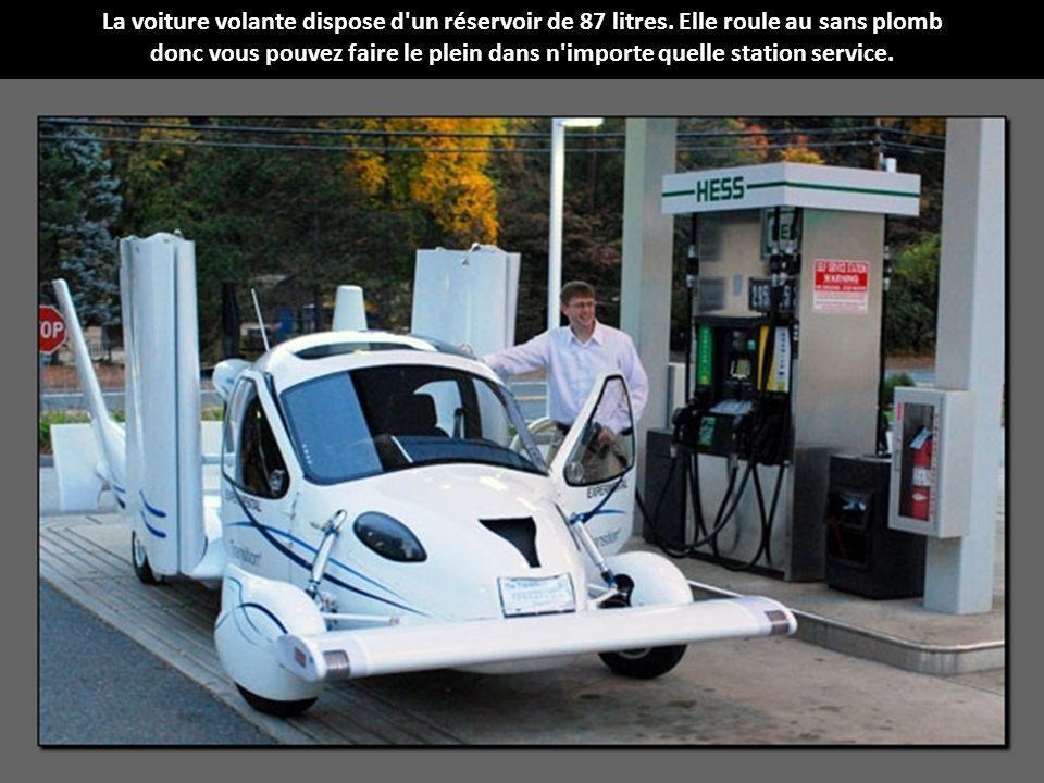La voiture volante dispose d un réservoir de 87 litres.