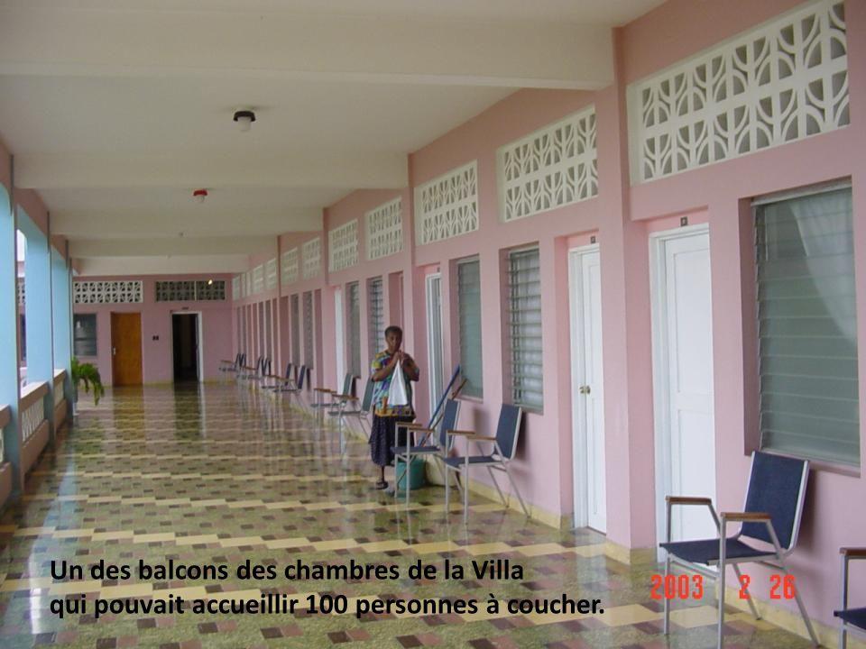 Un des balcons des chambres de la Villa qui pouvait accueillir 100 personnes à coucher.