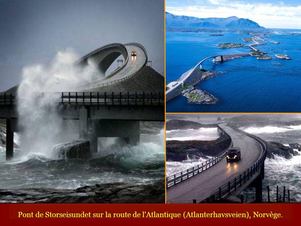 Pont de Storseisundet sur la route de l'Atlantique (Atlanterhavsveien), Norvège.