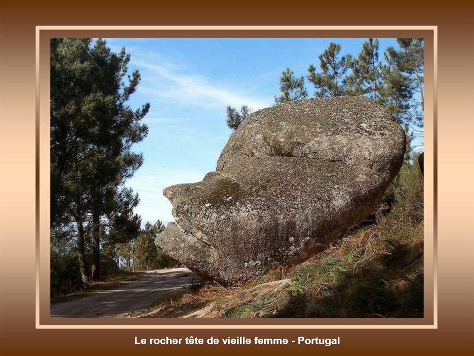 Le rocher tête de vieille femme - Portugal