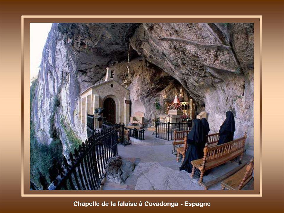 Chapelle de la falaise à Covadonga - Espagne