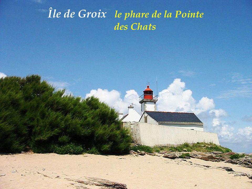 Île de Groix le phare de la Pointe. des Chats
