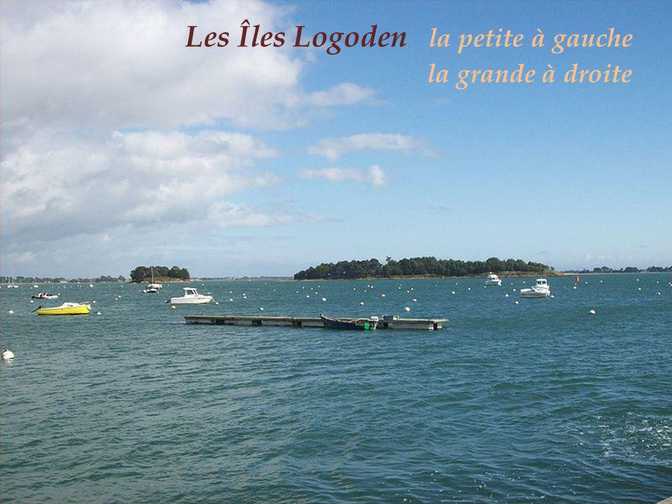 Les Îles Logoden la petite à gauche. la grande à droite