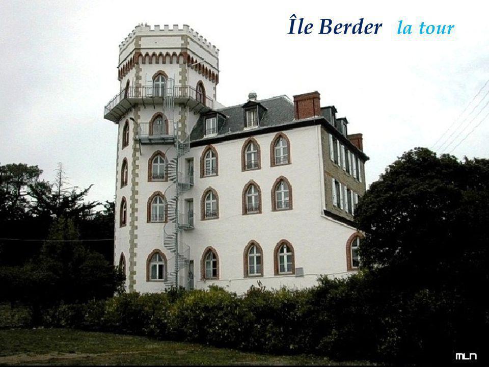 Île BerderÎle Berder la tour