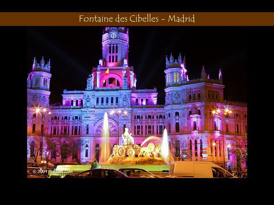 Fontaine des Cibelles - Madrid