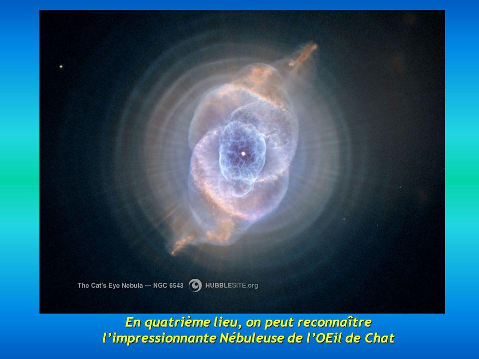 En cinquième lieu, voici la Nébuleuse du Sablier située à 8000 années-lumière, une magnifique nébuleuse avec un rétrécissement dans sa partie centrale.