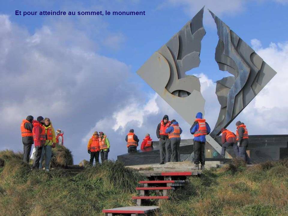 Et pour atteindre au sommet, le monument
