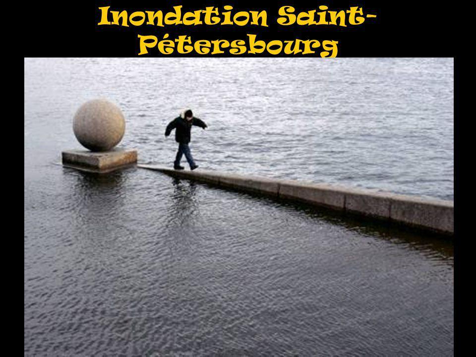Inondation Saint- Pétersbourg À revoir pour mettre une grande ou deux petites
