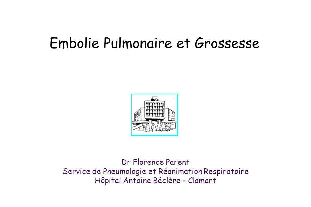 Score de Genève* Points Score de Wells # Points ATCD de TVP / EP+2ATCD de TVP / EP+2 Rythme cardiaque > 100/mn+1Rythme cardiaque > 100/mn+1,5 Chirurgie récente+3Chirurgie récente ou immobilisation+1,5 Age: 60 - 79 ans 80 ans + 1 +2 Signes de TVP+3 PaCO 2 : < 4,8 kPa 4,8 - 5, 19 kPa +2 +1 Diagnostic autre moins probable que lEP +3 PaO2: < 6,5 kPa 6,5 - 7,99 kPa 8 - 9,49 kPa 9,5 - 10,99 kPa +4 +3 +2 +1 Hémoptysie+1 Atélectasie+1Cancer+1 Elévation coupole diaphragmatique+1 Probabilité clinique dEP: faible moyenne forte 0 - 4 5 - 8 9 Probabilité clinique dEP: faible moyenne forte 0 - 1 2 - 6 7 * Wicki Arch Intern Med 2001 # Wells Thromb haemost 2000
