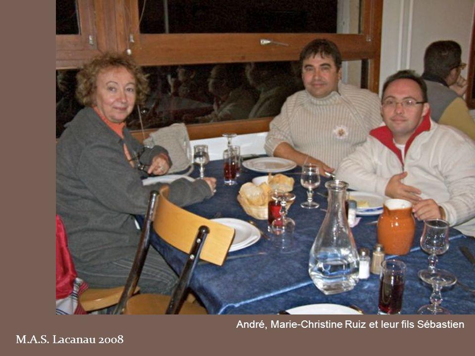 André, Marie-Christine Ruiz et leur fils Sébastien