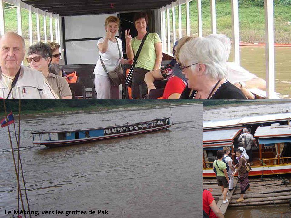 Voyage Laos-Cambodge Nov. 2012 – P. Lacroix Le Mékong, vers les grottes de Pak