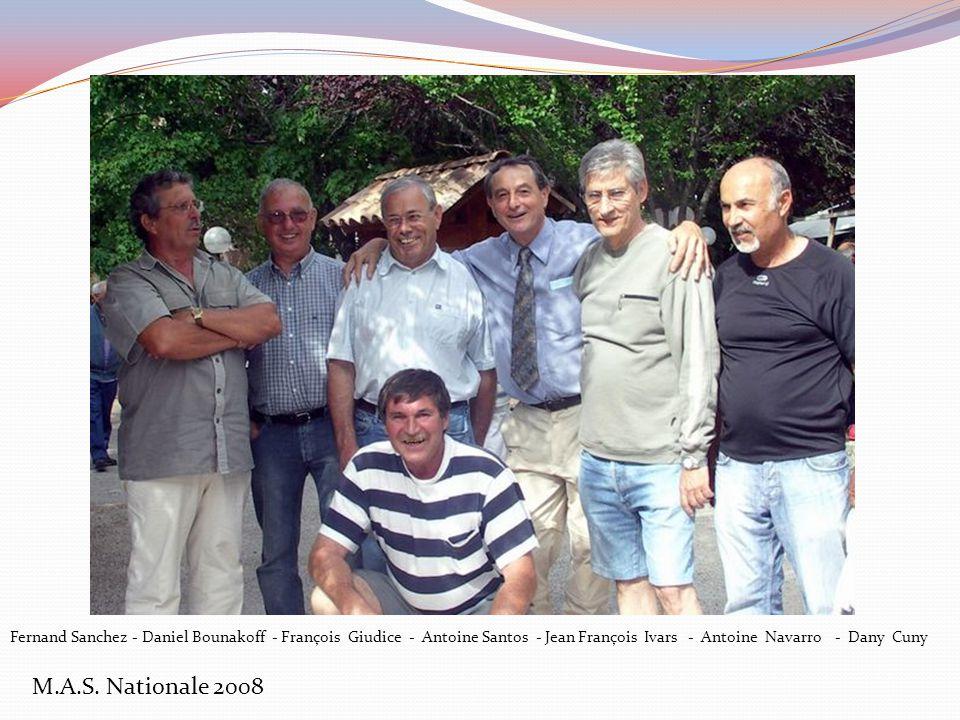 M.A.S. Nationale 2008 Je profite de ce message pour te faire suivre une belle brochette de garçons et de filles du Maarif qui étaient contents et heur