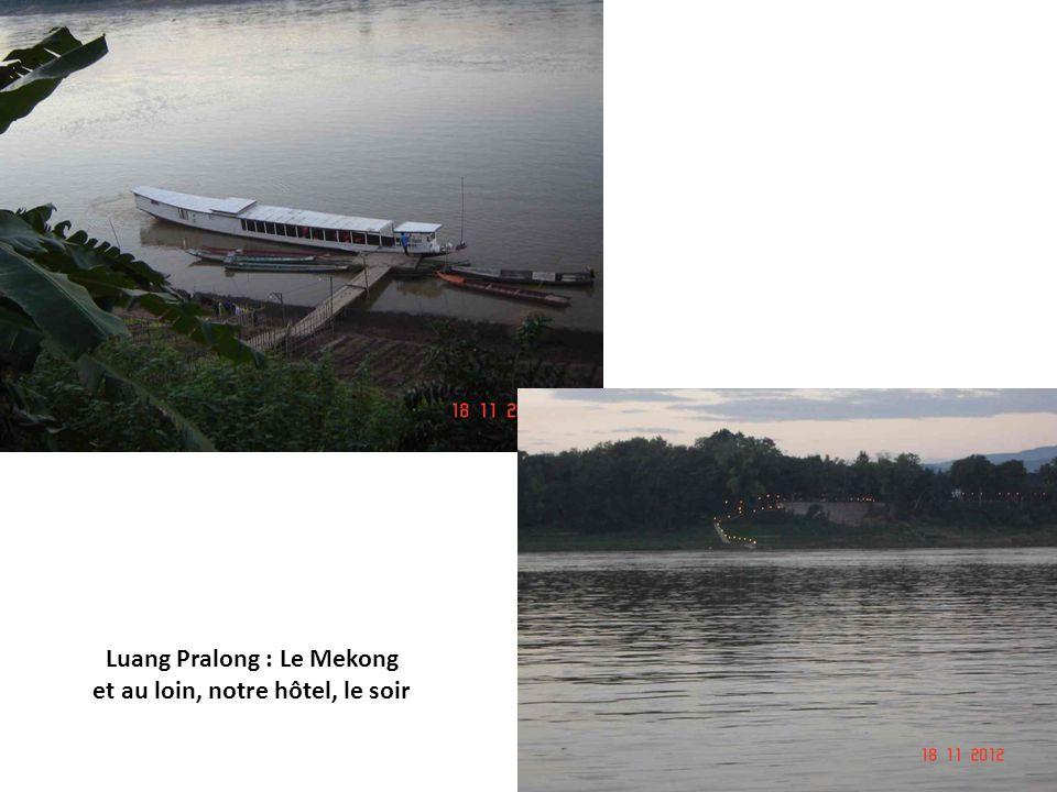 Voyage Laos-Cambodge Nov. 2012 – P. Lacroix Luang Pralong : Montée du mont Phousi