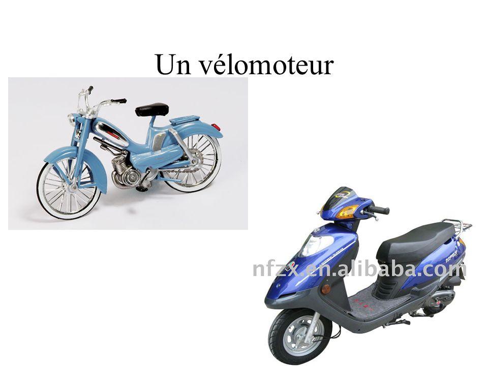 Un vélomoteur