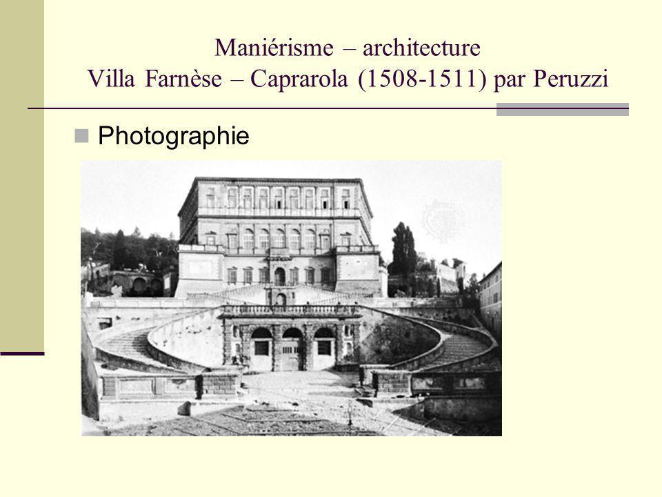 Maniérisme – architecture Villa Farnèse – Caprarola (1508-1511) par Peruzzi Photographie