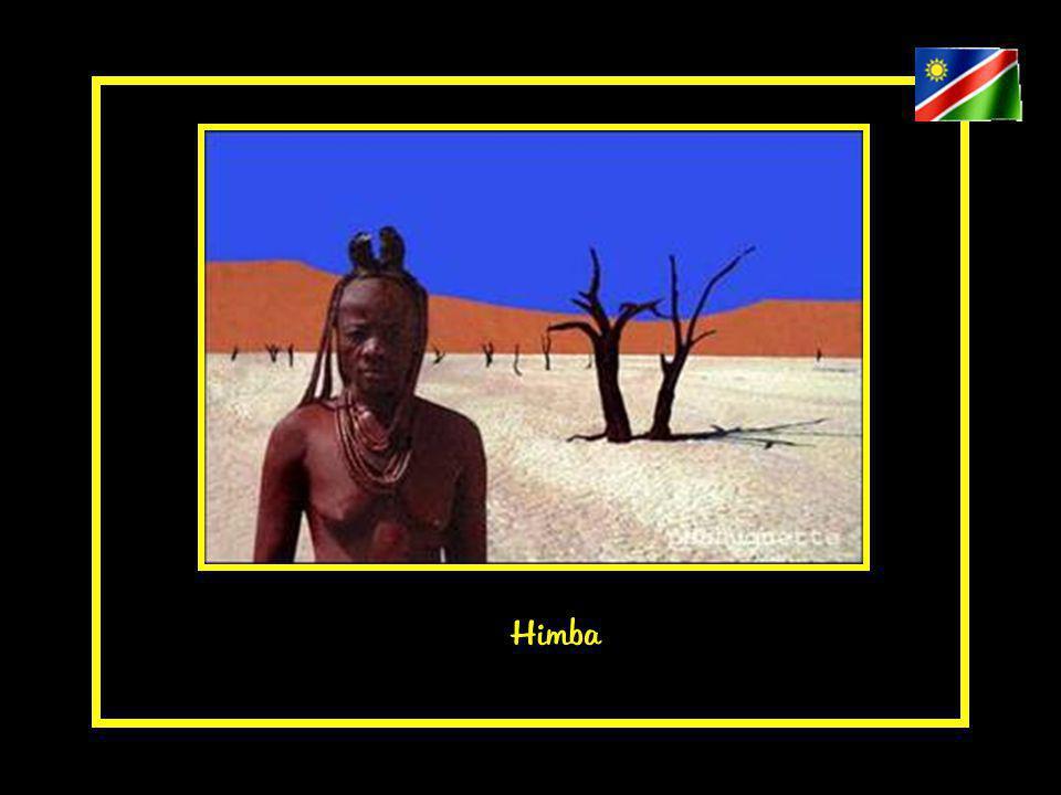 Les Himbas utilisent un appuie-tête car ils ne doivent pas poser la tête sur le sol.