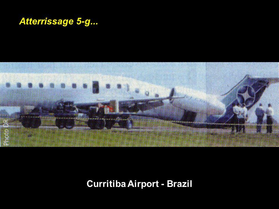 Atterrissage 5-g... Curritiba Airport - Brazil