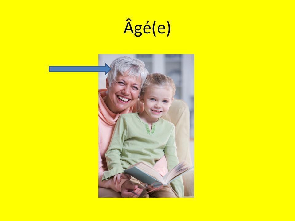 Âgé(e)