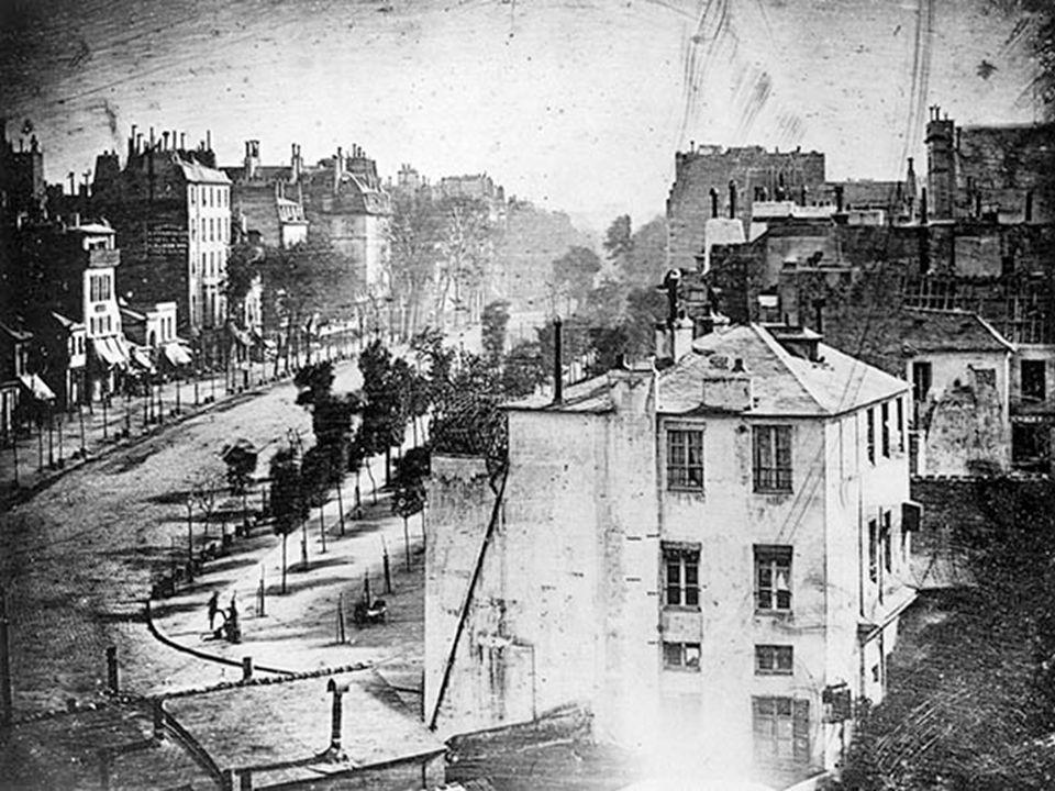 Avec les premières techniques, une photo prenait entre 10 minutes à une demi-heure pour être prise.