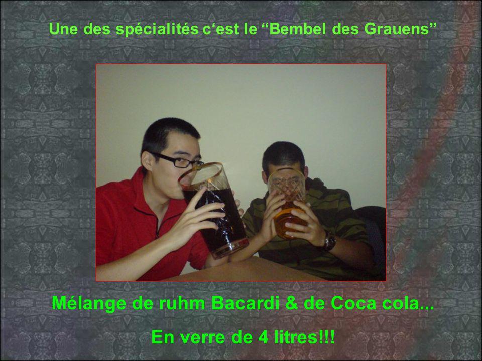 Une des spécialités cest le Bembel des Grauens Mélange de ruhm Bacardi & de Coca cola...