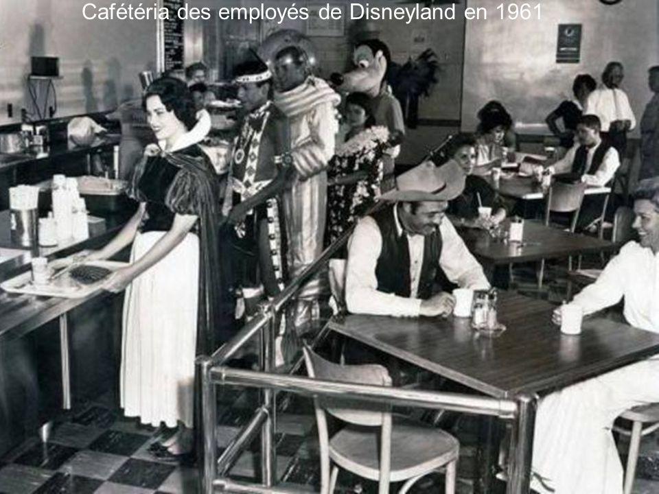 Cafétéria des employés de Disneyland en 1961