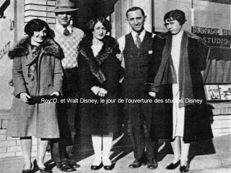 Roy O. et Walt Disney, le jour de louverture des studios Disney
